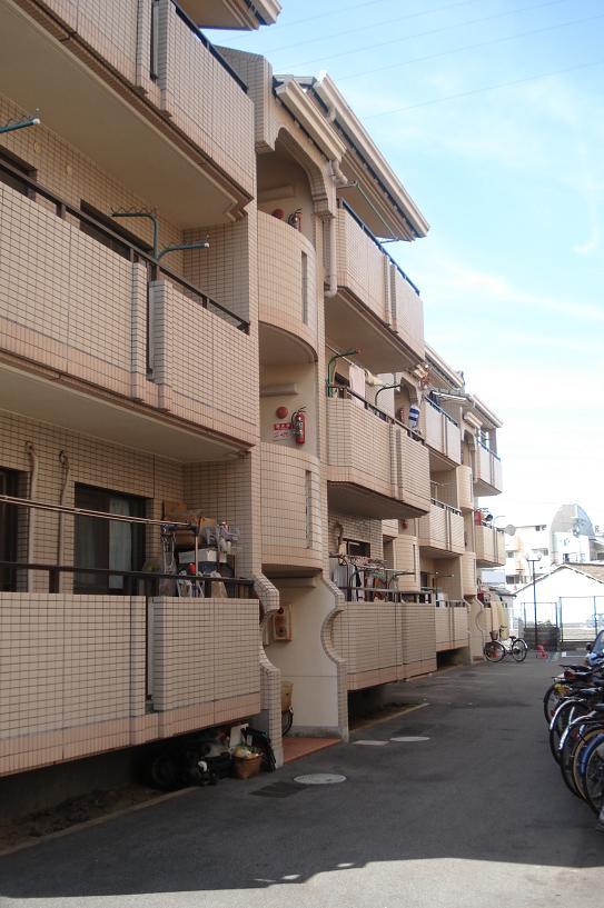 【クリーンレイクマンション】外観写真