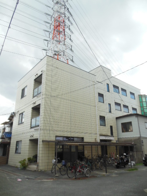 【川島第4ビル】外観写真
